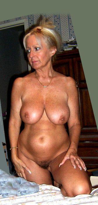 cougar nue escort moissy